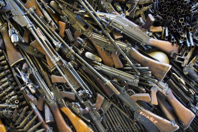 Пререгистрација, предаја или продаја трофејног оружја