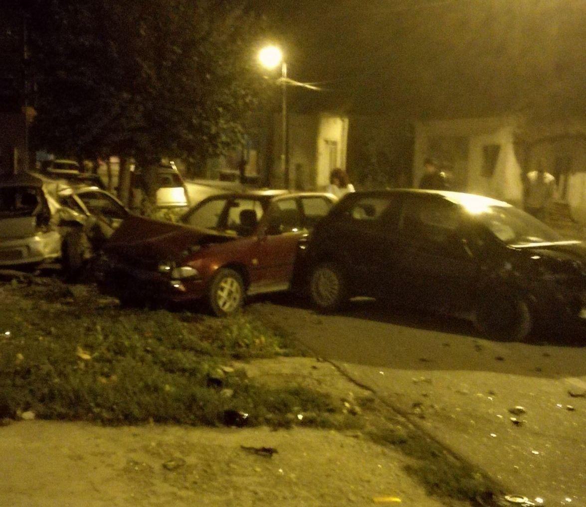 Пунто налетео на паркинг са возилима станара – уништена три аутомобила