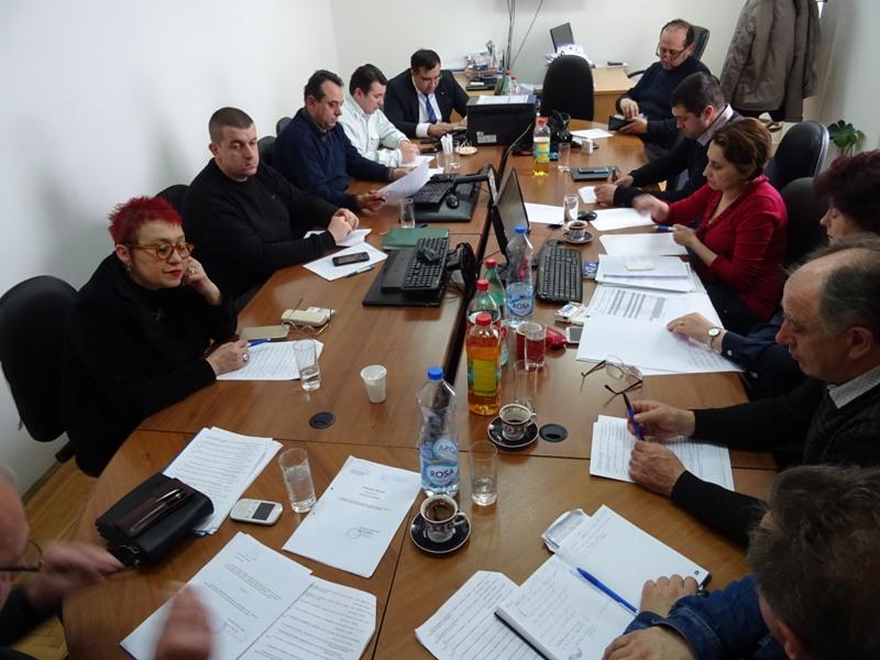 Веће одлучивало о извештајима Јавних предузећа, систематизацијама, захтевима грађана