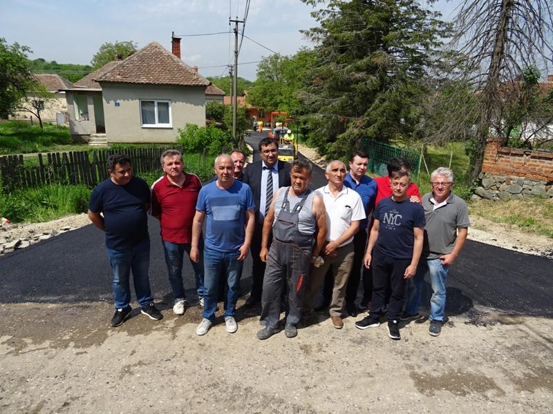 Улице Војводе Дулета и Благоја Лазића у Раброву добиле 660 метара нових асфалтних трака
