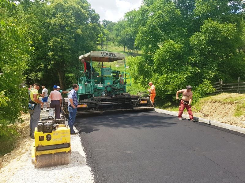 Завршено асфалтирање дела пута Раденка – Кривача у дужини од 700 м