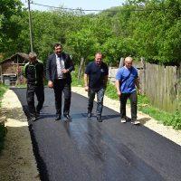 Првог радног дана након празника – 292 метра асфалта за Зеленик