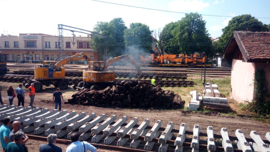 Потпредседница Владе , начелници округа и први људи Пожаревца, Кучева и Мајданпека обиће ће радове на реконструкцији пруге