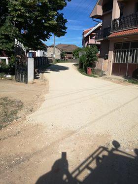 Завршавају се припремни радови за асфалтирање и у Мишљеновцу