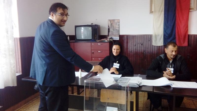 """Носилац листе """"Власи за Србију"""", Новица Јаношевић, гласао у Каони"""