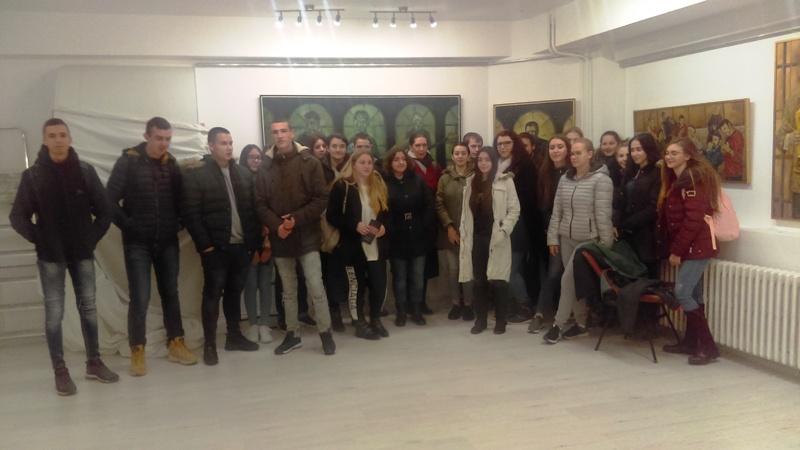 Средњошколци у посети Центру за културу
