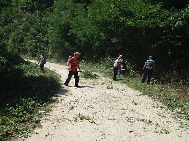 """Радна акција """"Све се може кад се хоће"""" у Буковској"""
