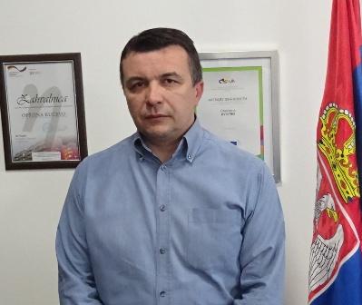 Стојановић : од 21. јануара два нова аутобуска стајалишта за децу у граду
