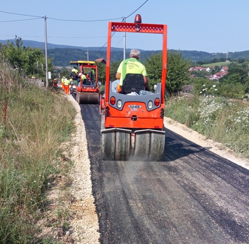 Почело асфалтирање мањефреквентних улица на територији МЗ Кучево