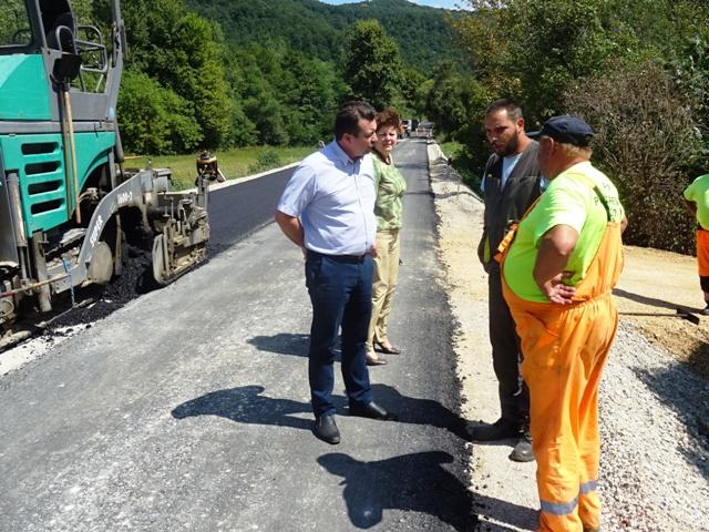 Стојановић обишао радове на реконструкцији пута  Кучево-Мајданпек
