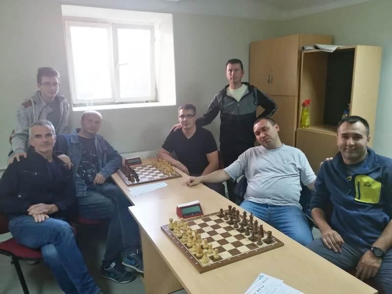 Шахисти одиграли сјајно и у Петровцу : Слога 2 – Звижд 3,5-4,5