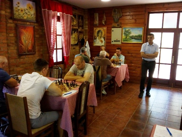 Шахисти сјајни и у Свилајнцу : ШК Раднички –ШК Звижд 2:6 !