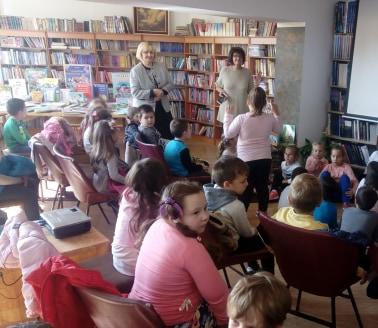 Други дан Дечије недеље у знаку сликарских радионаца и посете библиотици