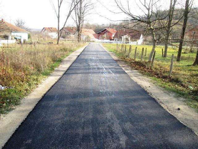 Ново асфалтирање мање фреквентних  путева  у Колонији