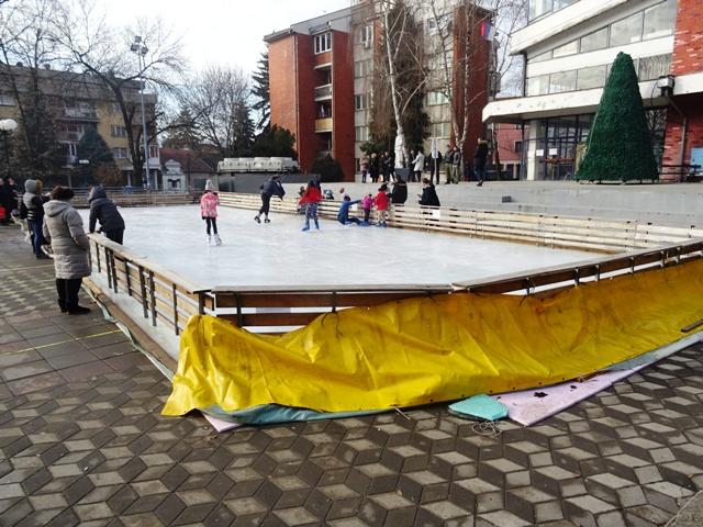 Дивно – отворено клизалиште !