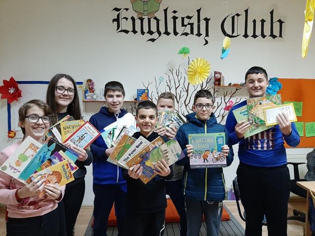 Donacija knjiga  iz  Stamforda Engleskom klubu u Kučevu
