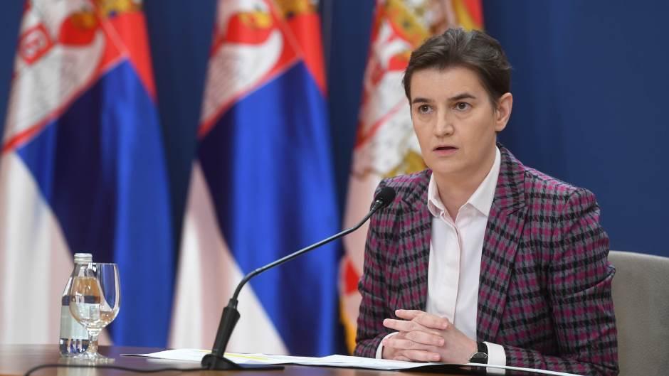 Влада Србије ће данас, на молбу председника Александра Вучића, повући одлуку о информисању током ванредног стања због пандемије корона вируса