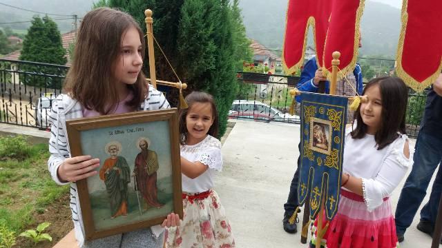 Данас је Петровдан – храмовна слава у Турији и Раброву