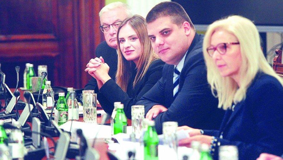 """Read more about the article Споразумом власти и опозиције предвиђа  отварање """"шалтера"""" за изборне притужбе"""