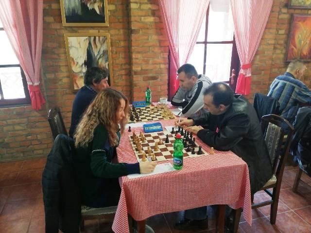 Шахисти Звижда декласирали екипу Божевачки ШК са невероватних 7 1/2 -1/2!
