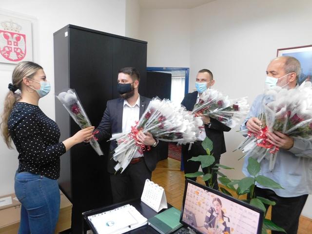 Цвеће за колегинице