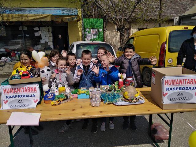 Прваци из Раброва организовали  хуманитарну распродају за Гаврила