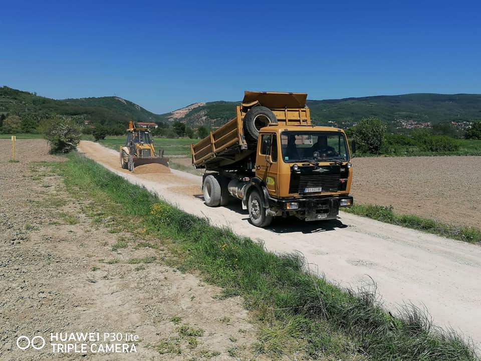 Одржавање локалних и некатегорисаних путева – константна активност ЈКП-а